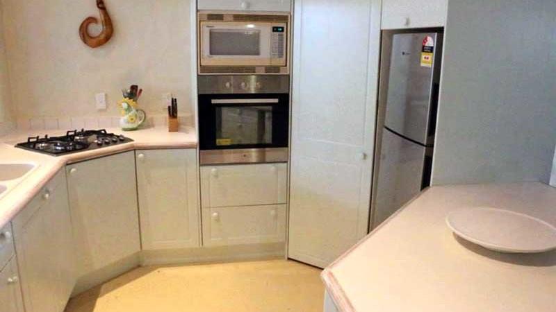 Pandanus House kitchen