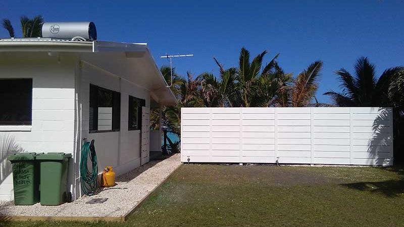 Tinas Beachfront yard