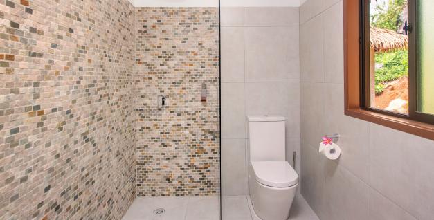 rainbow villas rarotonga bathroom 1