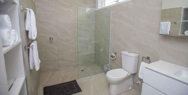 Avaiki Nui Villa Master Bathroom indside